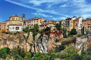 Город Куэнка в Испании фото домов