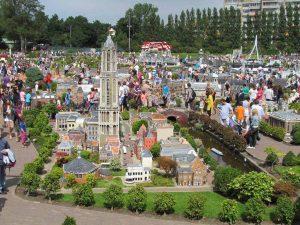 Парк миниатюр Мадюродам в Нидерландах фото