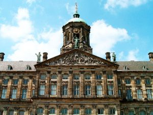 Королевский дворец в Амстердаме фото