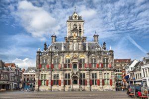 Мэрия в Делфте в Нидерландах фото