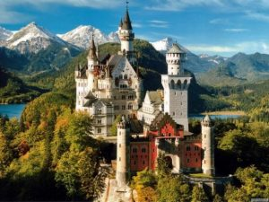 Замок Гогенцоллерн красивый вид сверху