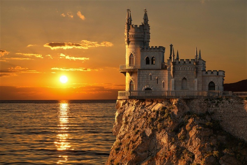 Ласточкино гнездо в Крыму фото на закате