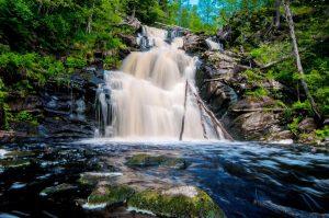 красивые водопады Карелии
