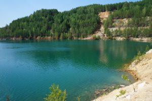 Липовское озеро в Ленинградской области озеро с бирюзовой водой